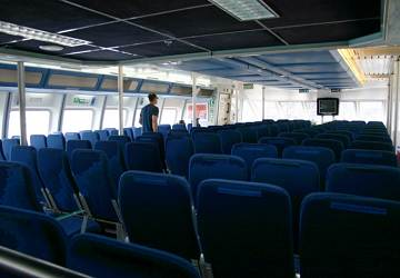 balearia_maverick_seating_area_2