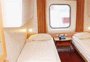 brittany_ferries_cap_finistere_2_large_4_bed_cabin