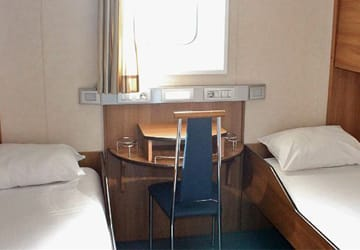 brittany_ferries_etretat_outside_cabin
