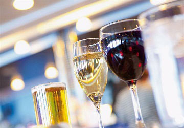 brittany_ferries_normandie_express_drinks_in_front_of_the_bar