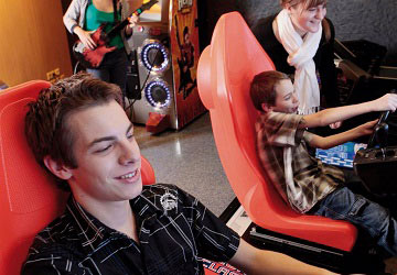 brittany_ferries_pont_aven_video_game_room