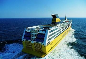 corsica_ferries_mega_express_at_sea