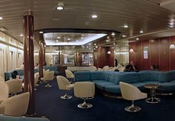 corsica_ferries_mega_express_central_bar