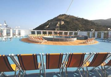 corsica_ferries_mega_express_five_pool