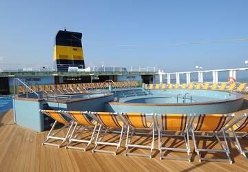 corsica_ferries_mega_express_five_pool2