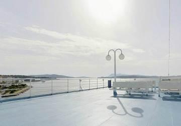 corsica_ferries_mega_smeralda_deck