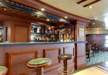 corsica_ferries_mega_smeralda_pub