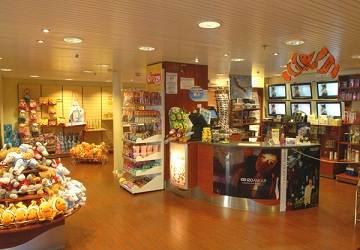 corsica_ferries_mega_smeralda_shop