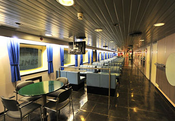 golden_star_ferries_superferry_ii_table_and_seats