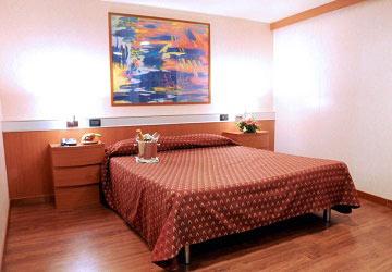 grimaldi_lines_cruise_roma_suite_cabin