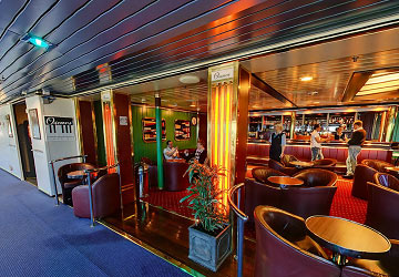 irish_ferries_oscar_wilde_piano_bar