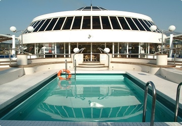 minoan_lines_cruise_europa_swimming_pool