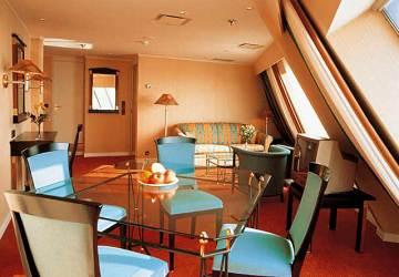 tallink_silja_silja_europa_suite_cabin