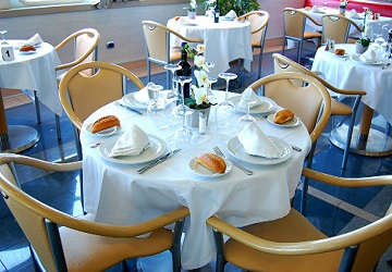 trasmediterranea_albayzin_dining_area